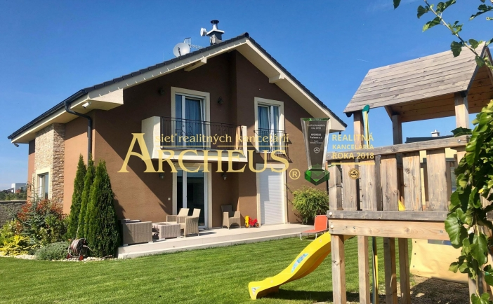 Nádherný 5-izbový dom so súkromnou plážou, vhodný pre rodiny, Nové Košariská - Dunajská Lužná
