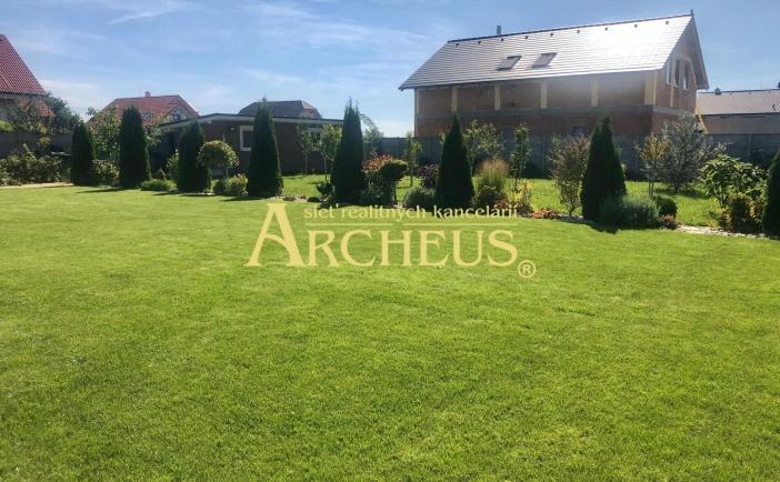 Krásny a rovinatý pozemok, 617 m2, Nové Košariská - Dunajská Lužná